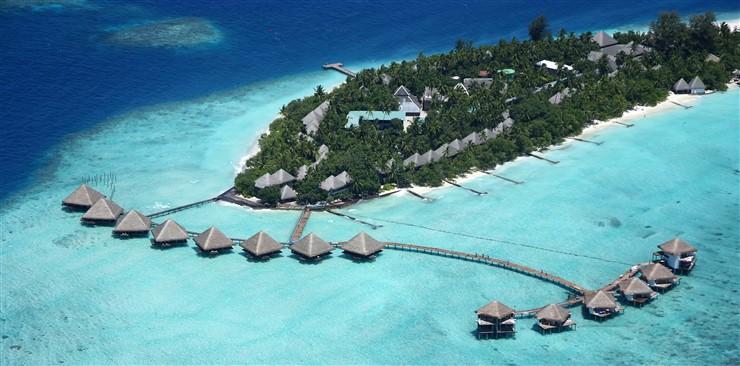 Adaaran Club Rannalhi, Maldives https://commons.wikimedia.org/wiki/File:Adaaran_Club_Rannalhi.jpg